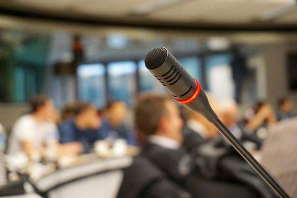 bezproblemowa obsługa techniczna konferencji